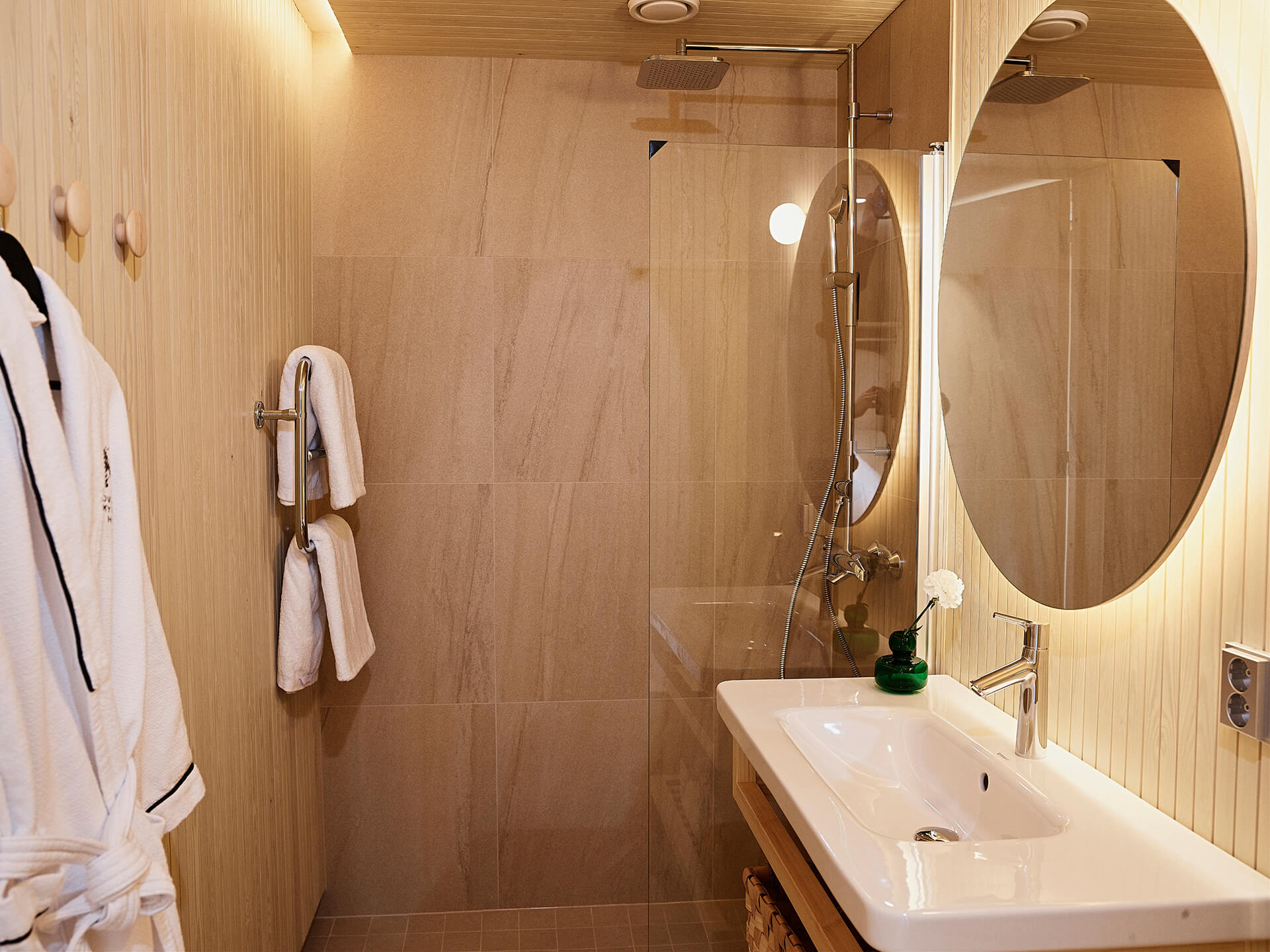skysuite_bathroom